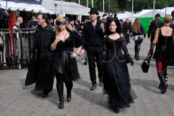 Szenetypischer Dresscode - Amphi 2011