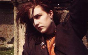 Melissa auf dem Friedhof 1985