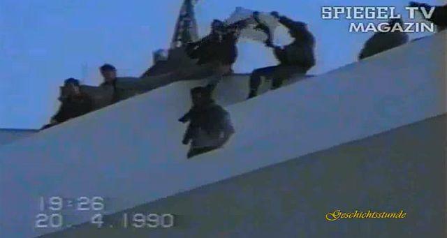 Spiegel TV 1990 – Rechtsradikale in der DDR