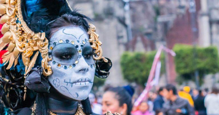Video: Mexikanischer Goth kämpft für die Freiheit des Andersseins