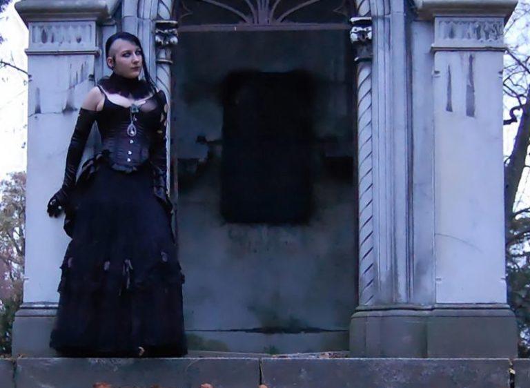 Gothic Friday März: Kitsch, Klischees und soziale Arbeit (ASRianerin)