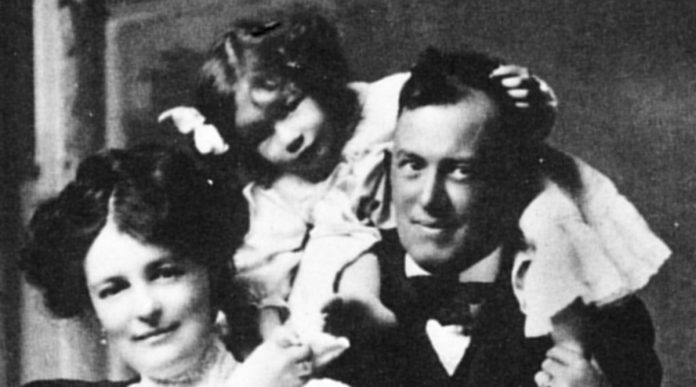 Familie Aleister Crowley