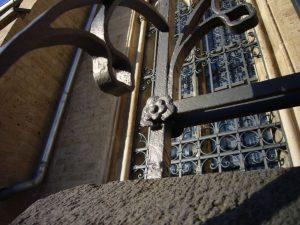Schmiedekunst an alten Kirchen