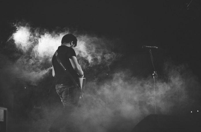 Band im Nebel