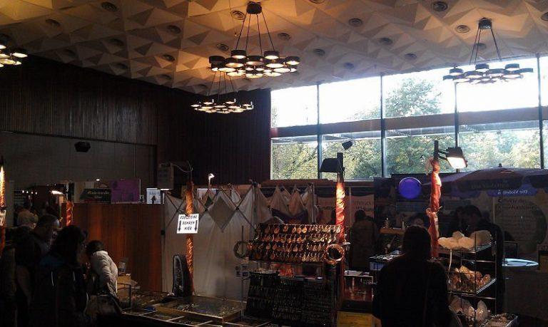 Esoterikmesse in Köln – Im Reich der Geister oder …reich durch Geister