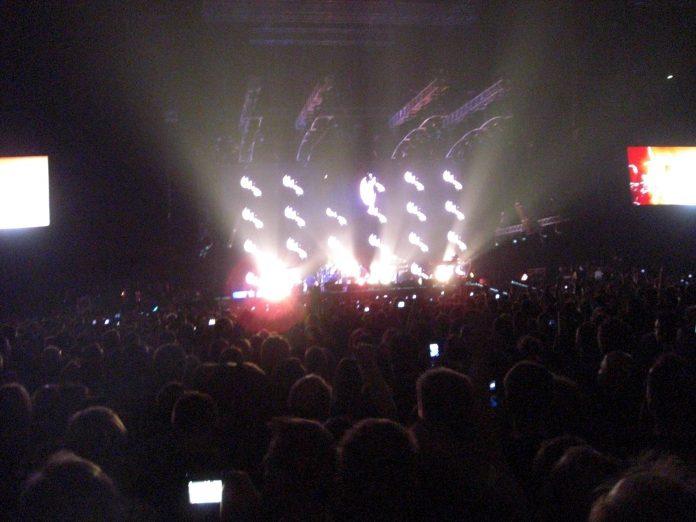 Depeche Mode - Tour of the Universe