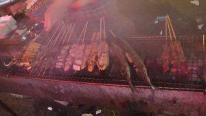 Nocturnal Food - Blick auf dem Grill