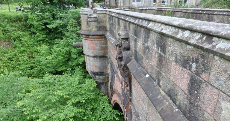 Die Overtoun Bridge: Die Selbstmordbrücke der Hunde in Schottland