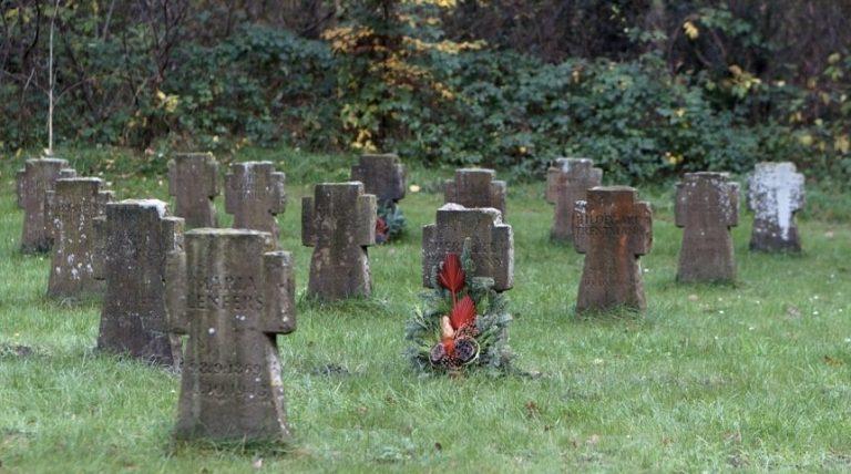 Besuch auf Deutschlands schönstem Friedhof Lauheide