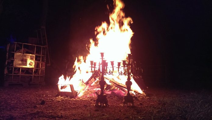 Fest des strahlenden Feuers