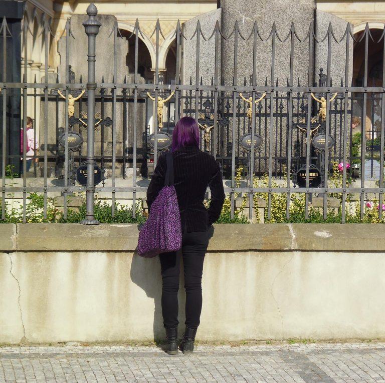 Letzte Ruhe in der goldenen Stadt der 100 Türme – Vyšehrader Friedhof