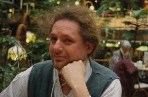 Dennis 2000
