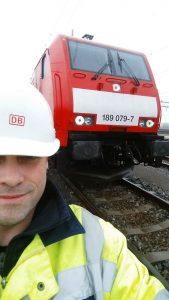 Ralf vom Rabenhorst - Bild 8 - Vor einer Lok