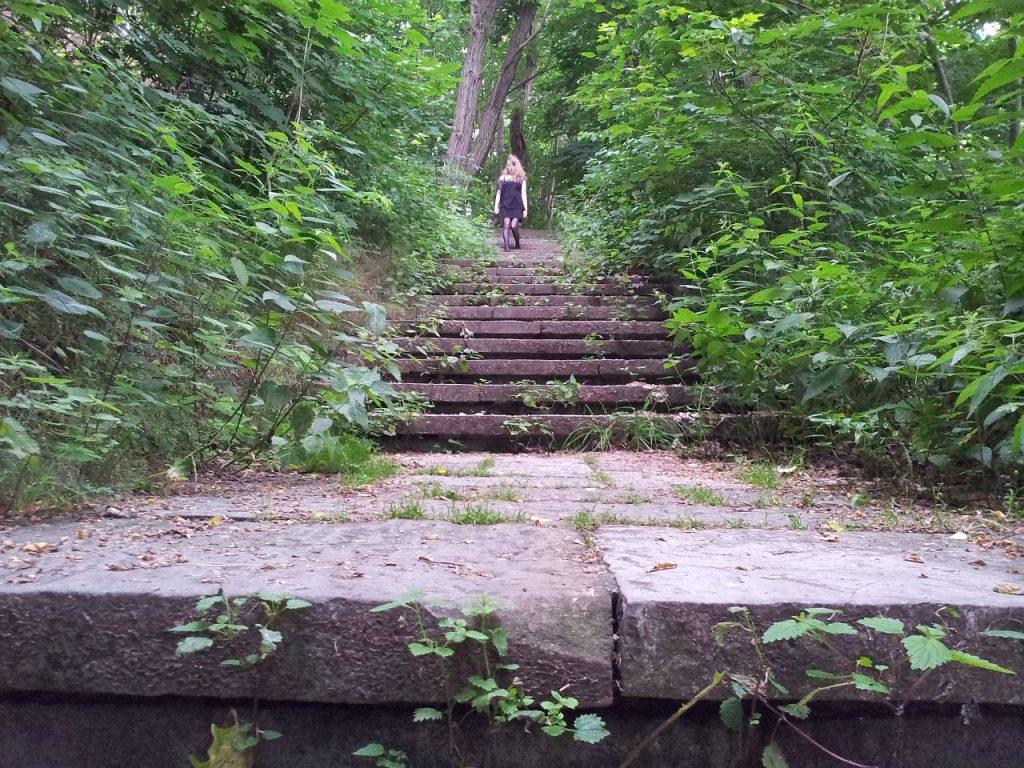 Orte der Ruhe - Selbstmoerderfriedhof - Kathi Traumtaenzerin