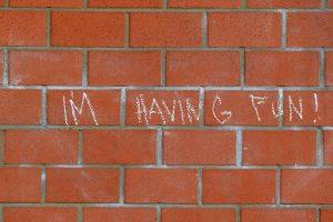 Spruch auf der Mauer