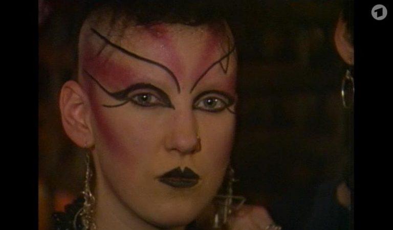 1983: Die Ghouls erorbern die Fledermaushöhle – Das Batcave ist Londons heißeste Diskothek