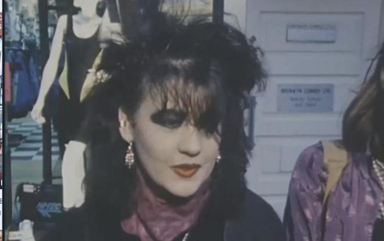 1989 – Grafton Street: A Posers Paradise for Goths and Cureheads