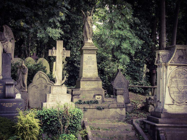 Totenkult – Begrabener Instinkt?