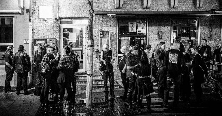 Young & Cold Festival-Bericht: Ohne Schkinny Scheans keine Gruftlocke