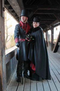 Ehepaar Klammer auf der Brücke