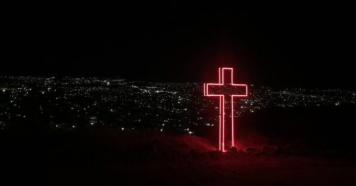 Leuchtendes Kreuz