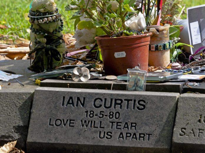 Grabstein von Ian Curtis