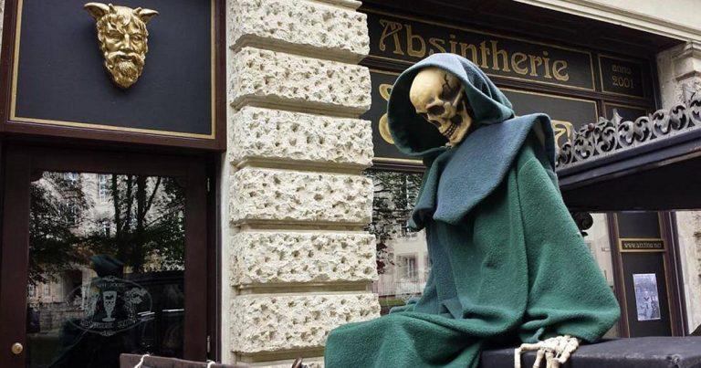 Kult-Kneipe vor dem Aus: Absintherie Sixtina in Leipzig fristlos gekündigt