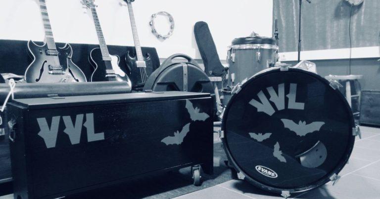 """Interview: 30 Jahre brauchte Thee Chemtrails für das Album """"Under the Wire"""""""