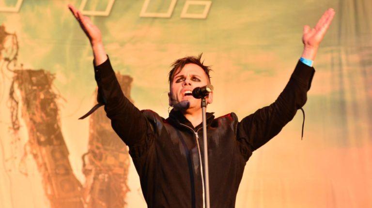 Gott doch kein Popstar: Sänger von Oomph! findet seinen Glauben wieder