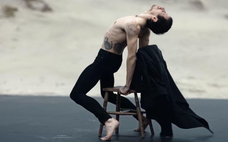 Schluss mit dem Geschlurfe! Heute tanzt man Ballett zu Depeche Mode