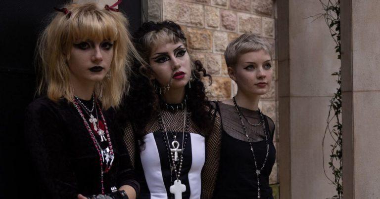 Formel Goth: Eine unmögliche Brücke zwischen Billy Idol und Italo-Disco